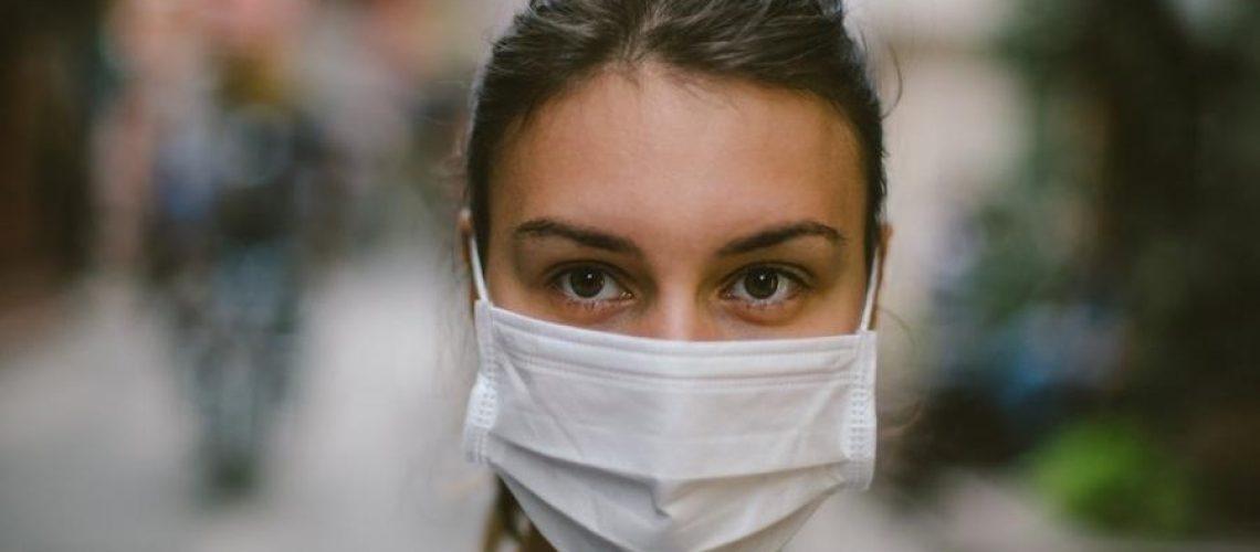 Cientistas mantêm ceticismo em relação à eficácia do uso de máscaras para evitar a propagação de vírus